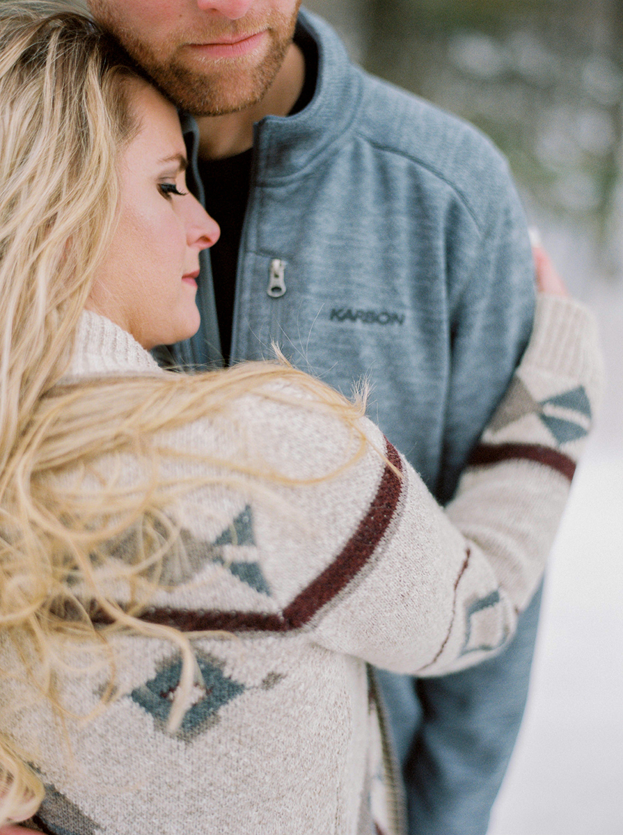 Winter Engagement Photos in Gimli