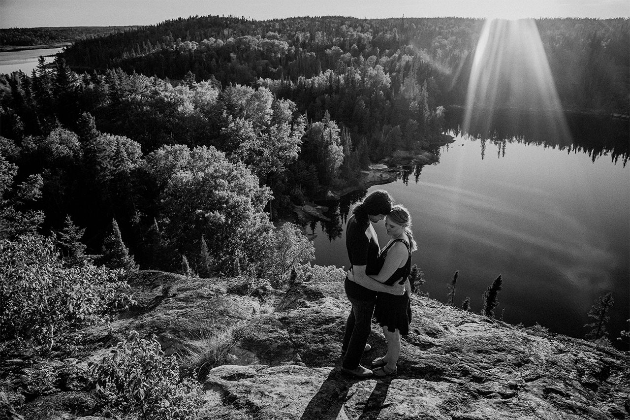 engagement photos in Nopiming Provincial Park